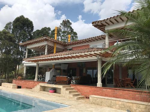 Venta De Casa En Medellín - Las Palmas
