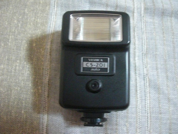 Flash Yashica Cs-201