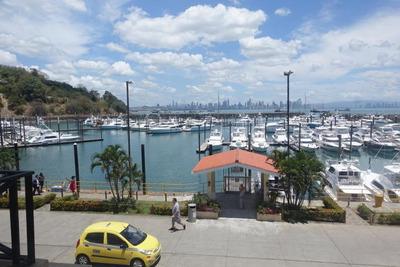 18-2618ml Negocio En Fuerte Amador Resort & Marina