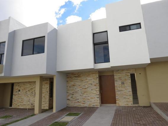 Casa En Renta En El Refugio, Queretaro, Rah-mx-19-2439