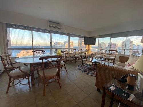 3 Dormitorios 3 Baños  En Plena Peninsula Con Vista A Playa Brava Y Puerto.- Ref: 14