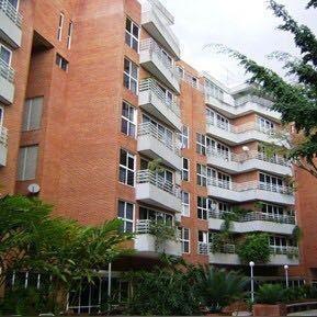 Apartamento En Alquiler En Altamira, Chacao #21-2062 Av