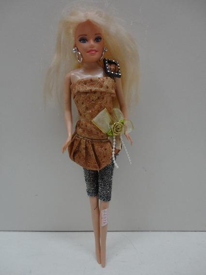 #22076 - Brinquedo Boneca Bárbie China!