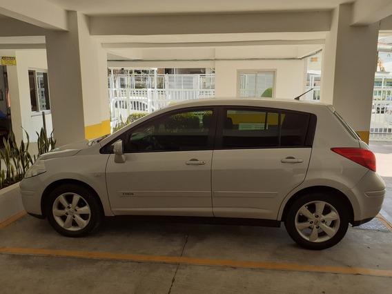 Vende-se Nissan Tiida 2011/2012