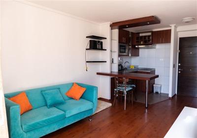 Casa En Arriendo De 1 Dorm. En Santiago