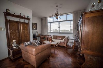 Dueño Vende Amplio Y Luminoso Apartamento En Av. Centenario