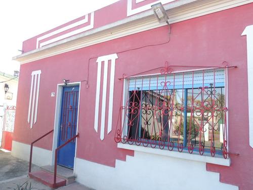 Casa 3 Dormitorios Con Garage, Parrillero Y Amplio Terreno.