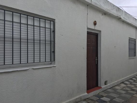 Arrotea 3309 Y Gral. Flores. 2 Casas Y 7 Aptos.con Renta