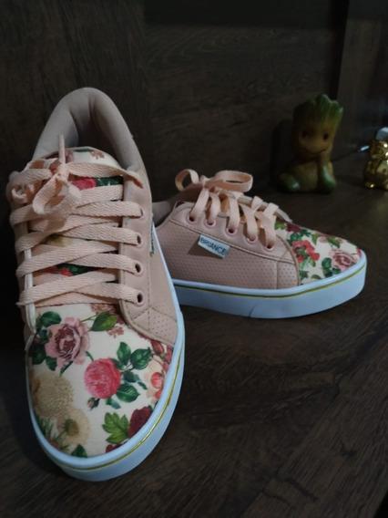 Tênis Rose Floral