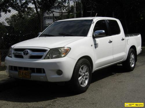 Toyota Hilux 2700 Cc Mt 4x2