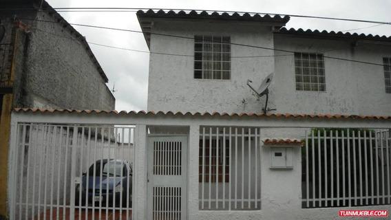 Venta De Casa En Los Teques Lagunetica, Urb. Asocsuvea Rzx
