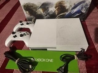 Consola Xbox One S 1tb 2 Joystick Originales Exelente Estado