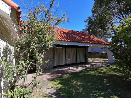 Casa En Punta Del Este, Mansa   Romina Silveira Ref:10025- Ref: 10025