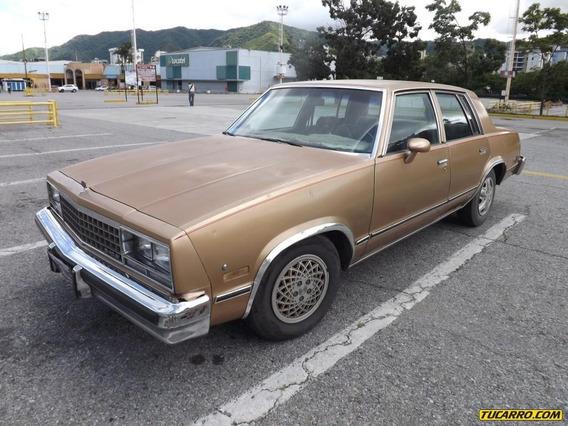 Chevrolet Malibú ..