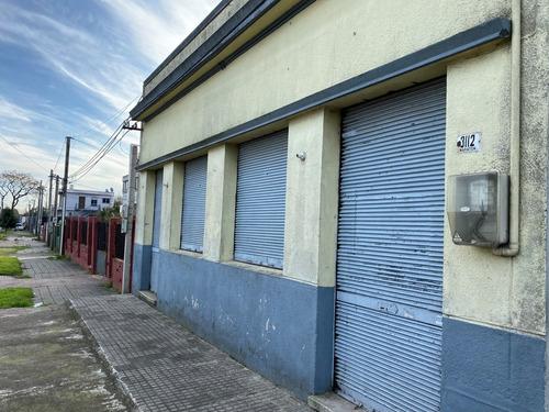 Imagen 1 de 9 de Alquiler Local Comercial 80 M2 Piedras Blancas