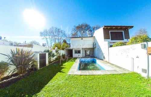 Casa En Venta Rosario Alberdi Pileta Jardin.