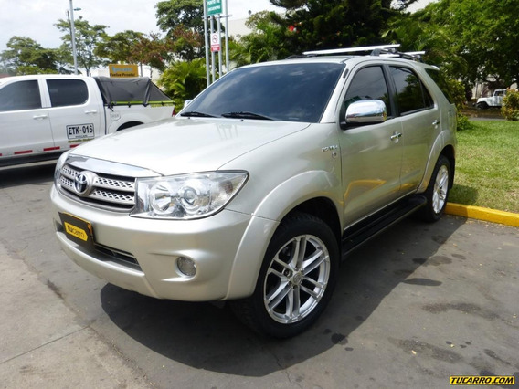 Toyota Fortuner At 2700 4x4 7psj