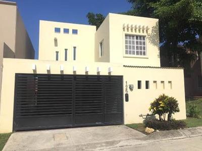 Casa Residencial En Renta, Fracc. Villas Náutico, Altamira, Tamaulipas.
