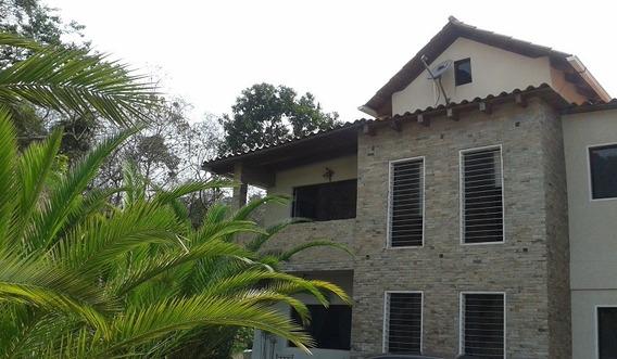 Se Vende Casa 221m2 3h/3b/2p Colinas De Carrizal