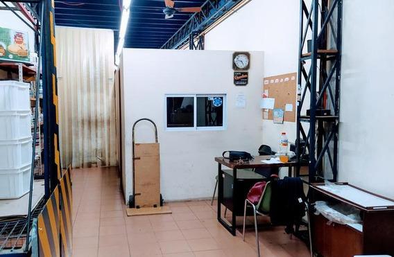 Venta Imperdible Local/deposito En La Mejor Zona De Caseros