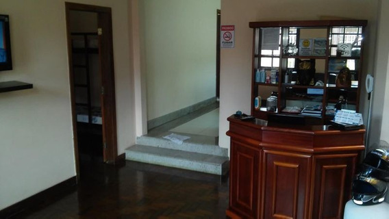 Excelente Casa Com 6 Quartos No Ouro Preto - 2134