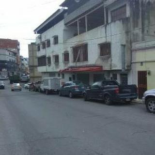 Inmueble 4 Niveles Y 3 Locales En Los Higuitos De Catia