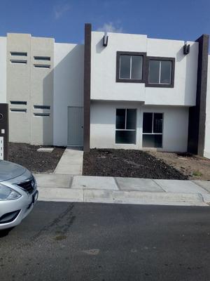Se Renta Casa En Condominio Nueva
