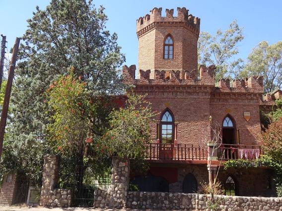 Castillo Casa En Villa Allende Venta Hostel Hosteria Hotel
