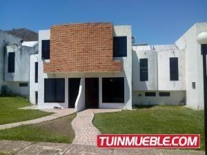 Casa En Venta Altos De La Esmeralda Codigo 19-9186 Ddr