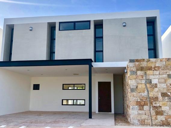 Residencia En Esquina, Gran Manzana Dzityá Con Alberca, Entrega Inmediata.