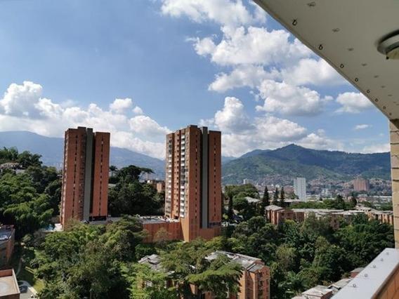Apartamento Muy Amplio Con Acabados Perfectos, Venta Directa