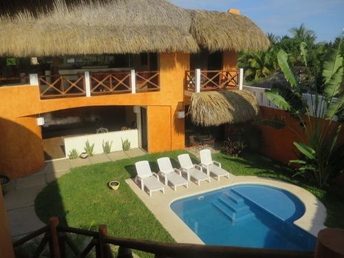 Venta De Casa Frente Al Mar En Punta Zicatela, Puerto Escondido, Oaxaca.