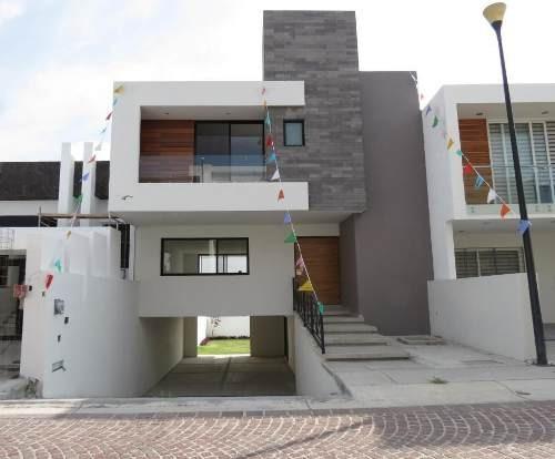 Casa En Venta En Cumbres Del Lago, Queretaro, Rah-mx-20-651