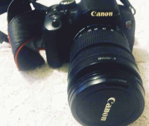 Câmera Canon Eos T4i