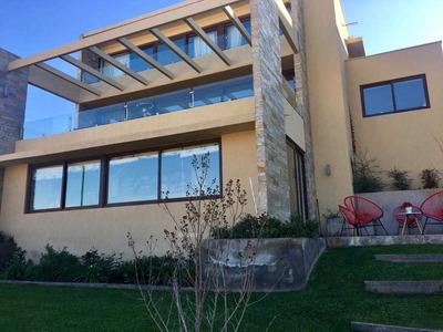 Preciosa Casa Seminueva En Condominio Los Litres. Excelentes Vistas