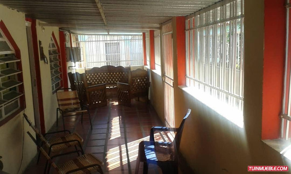 Casas En Venta En Los Guayos Las Aguitas