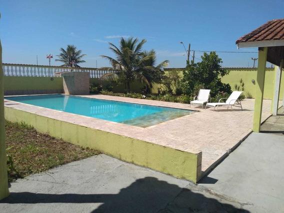 Casa Em Itanhaém , 50m Da Praia, Á 5 Minutos Do Centro.