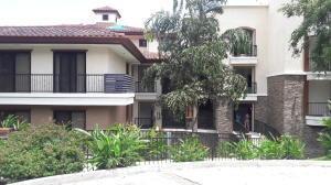 Hermosa Casa En Venta En Clayton Panama Cv