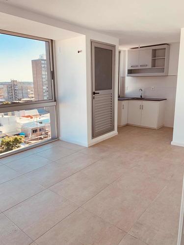 Apartamento 1 Dorm A Estrenar/piscina Y Parrillero