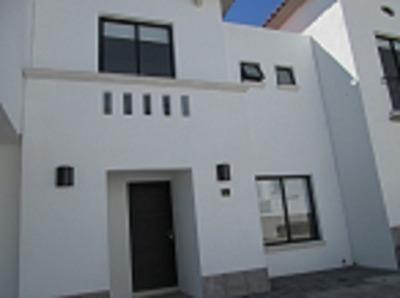 Vendo Casa En Fraccionamiento Exclusivo En San Isidro Juriquilla
