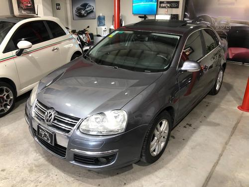 Volkswagen Vento 2.5 Luxury Tiptronic 2008