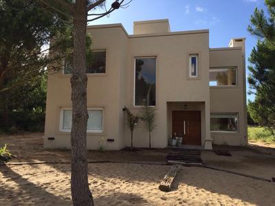 Casa A Extrenar A 100 Mts Del Parador . Residencial 1 L.408