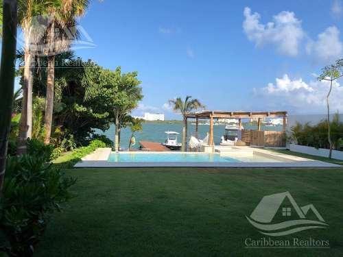 Casa En Venta En Cancun Zona Hotelera / Poktapok