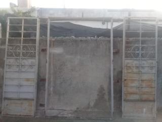 Portón De Hierro, Carpintería Metálica, Dos Hojas Con Marco.