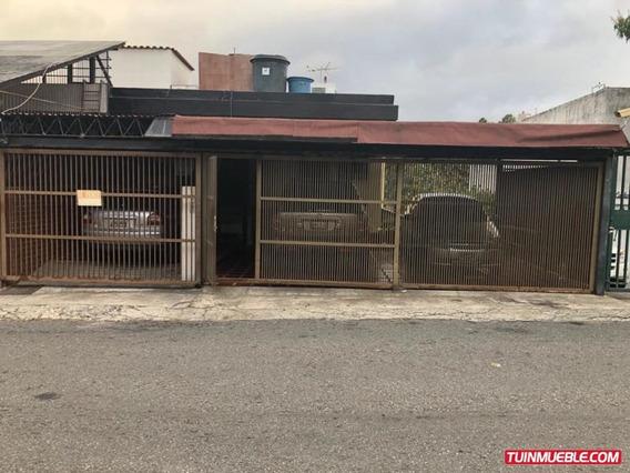 Casas En Venta, Urb. La Trinidad. 19-7488