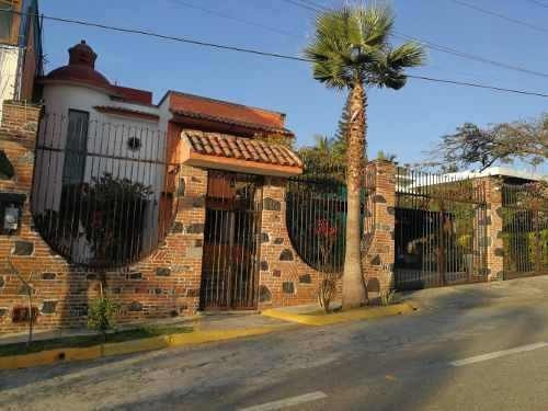 Residencia En Fracc. Burgos
