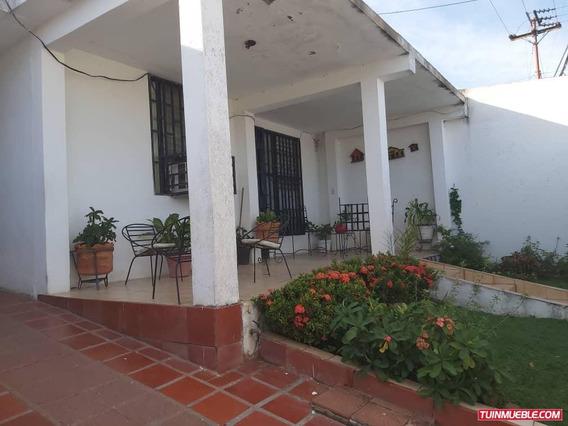 Casas En Venta En El Guamo, Puerto Ordaz.