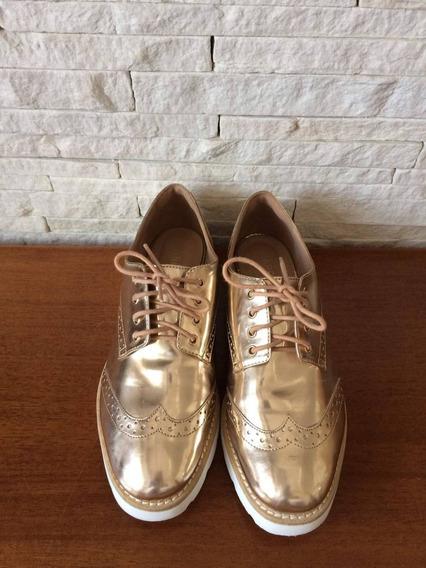 Sapato Arezzo Dourado
