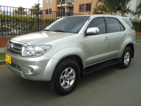 Toyota Fortuner At 2700cc 4x4