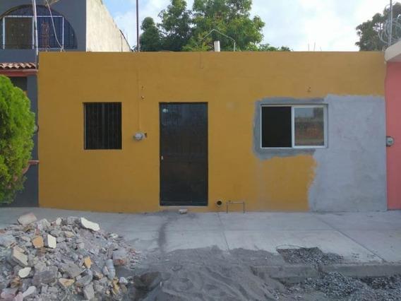 Casa Sola En Venta Col. Fco I Madero, A Una Cuadra De La Av. Gonzalo De Sandoval, En Colima
